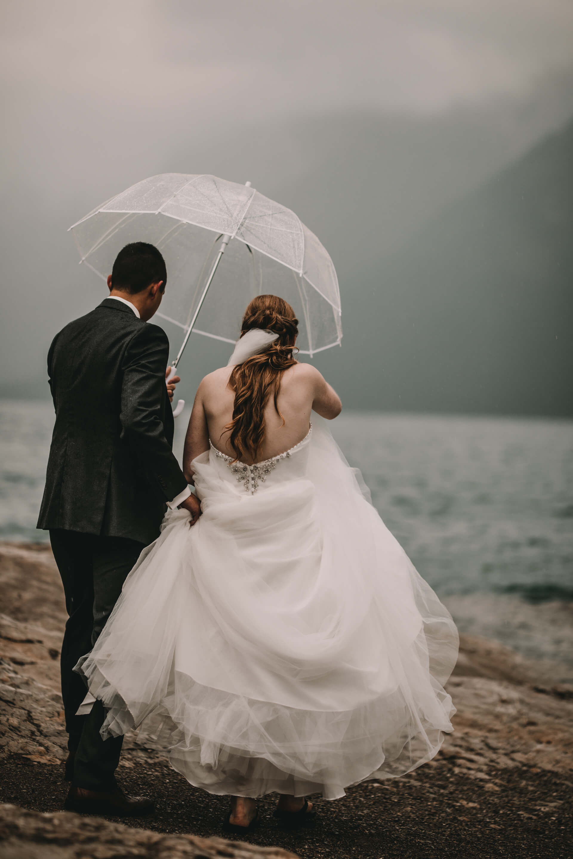 Calgary Wedding Photographer | YYC Wedding Photography | Bride Groom at Lake Minnewanka
