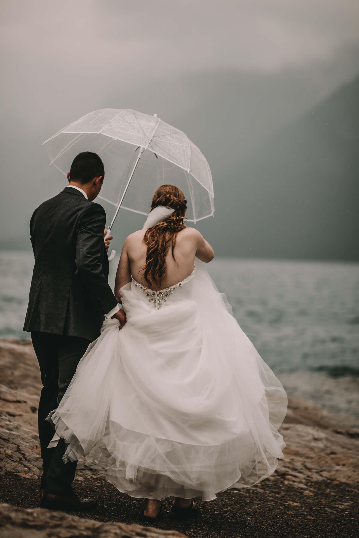 Calgary Wedding Photographer | YYC Wedding Photography | Bride Groom at Lake Minnewanka