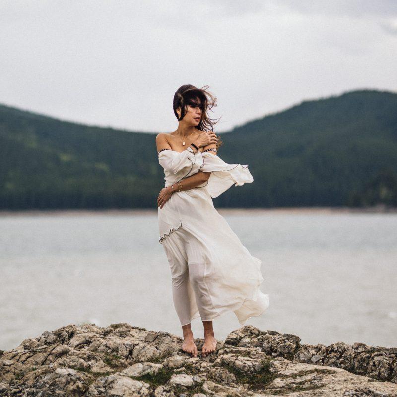 Calgary Portraits, Banff Model Photographer, Best Banff Photographers, Banff Canmore Destination Photography, Lake Minnewanka Photos, Modeling Inspiration